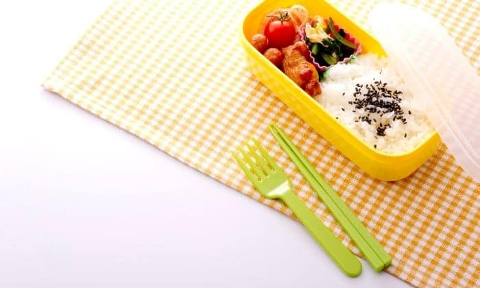 picture of portion control container on napkin